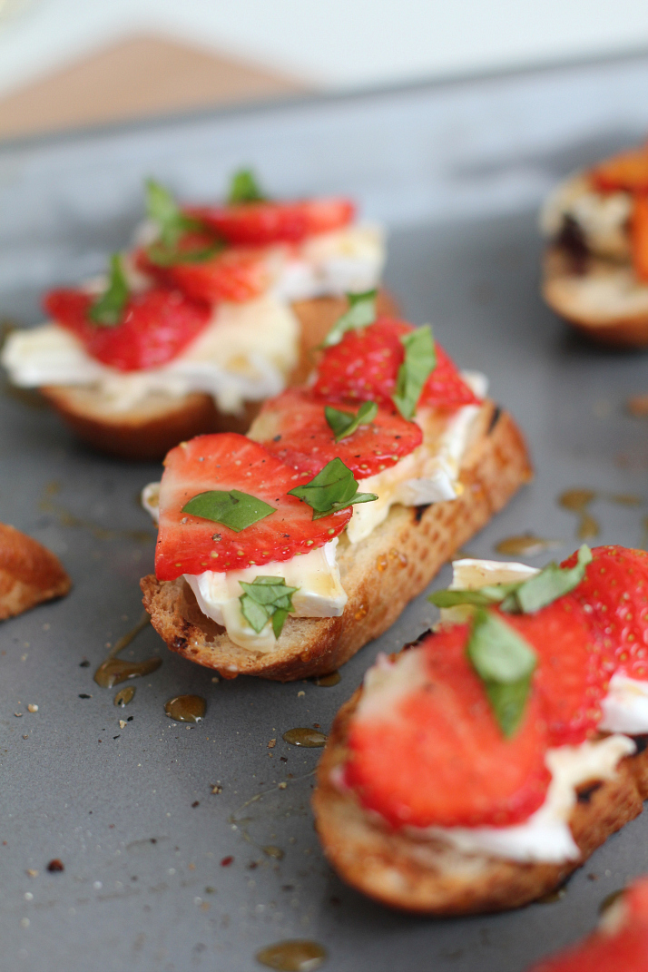 ... Dinner Club: Iron Chef Basil Strawberry, Basil & Goat Cheese Crostini