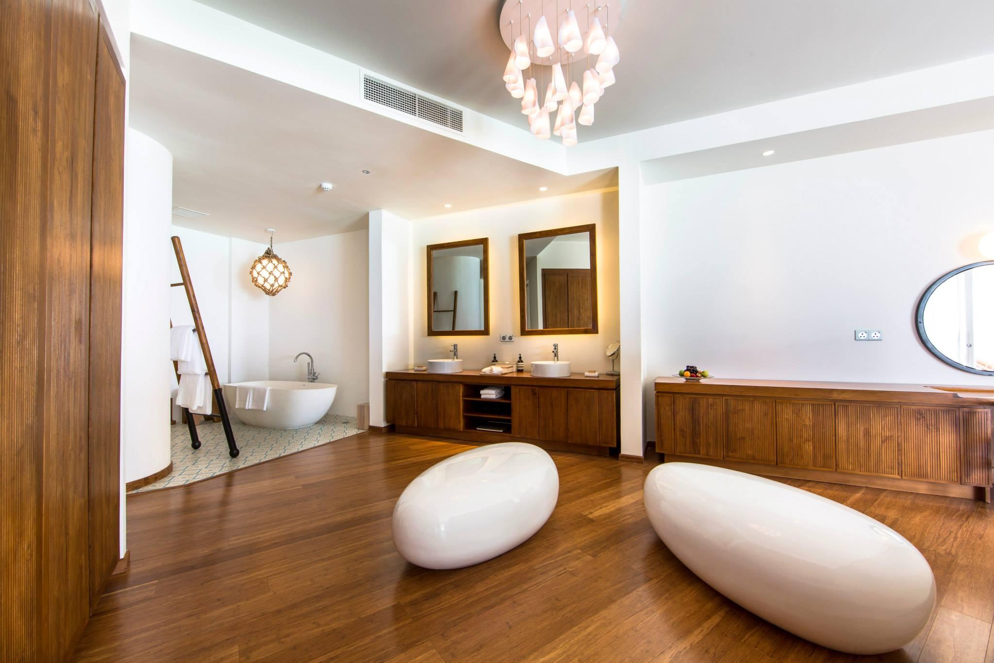 5 Hotels Maldives: Amilla Fushi | Love Daily Dose
