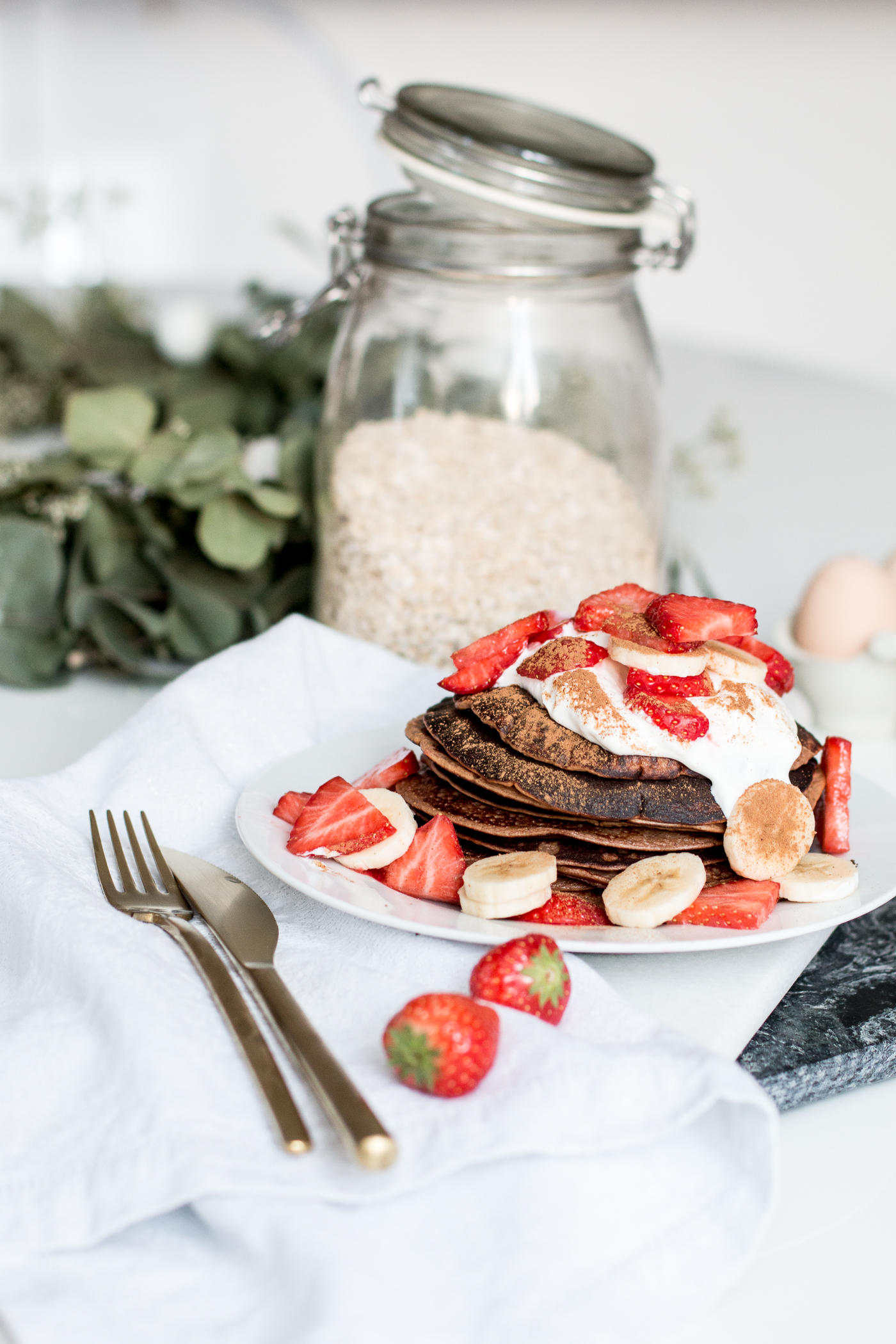 gluten-free-healthy-chocolate-pancakes-3