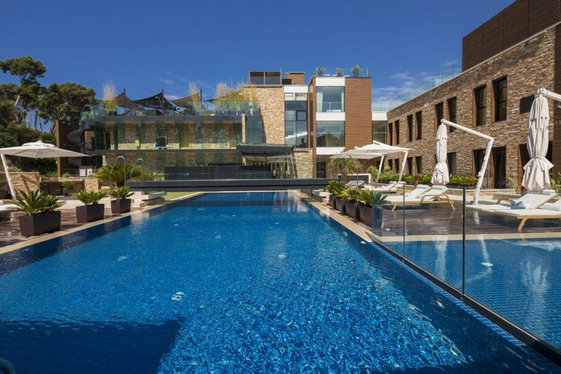 The Daily Dose 5 beach hotels Hostellerie La Farandole 3