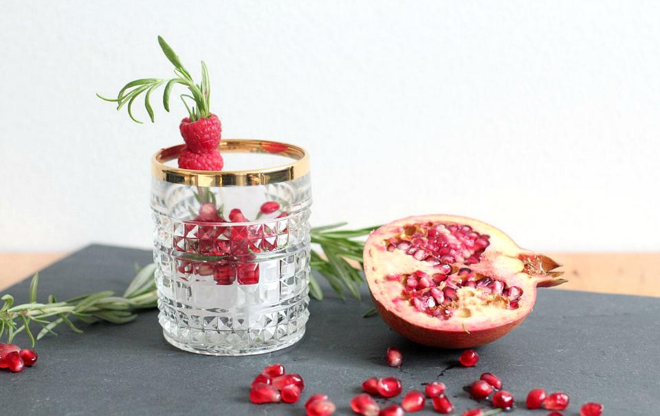 Rosemary-Pomegranate-Cocktail