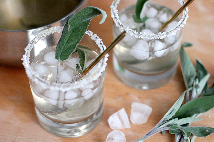 Honey Sage Gin Fizz | The Daily Dose