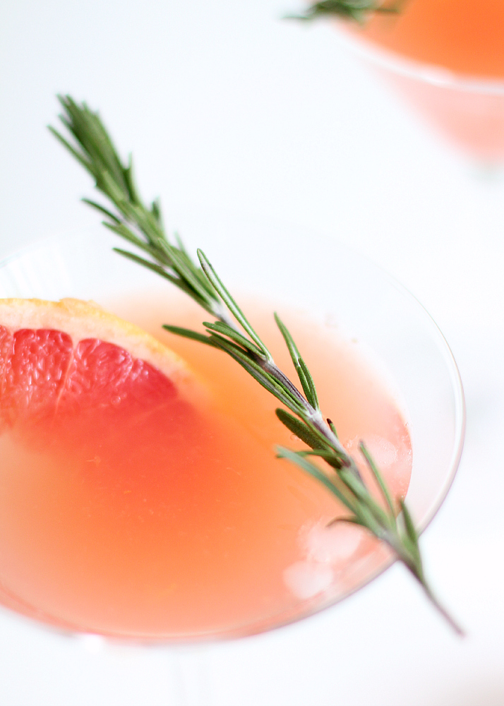 Blushing Kiss Martini | The Daily Dose