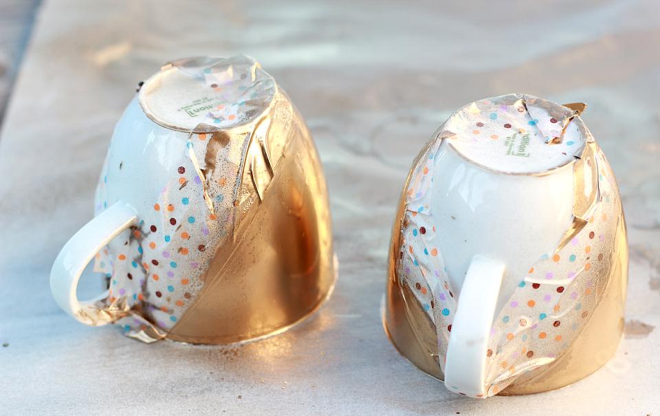 Do It Yourself: Goldene Tassen | The Daily Dose