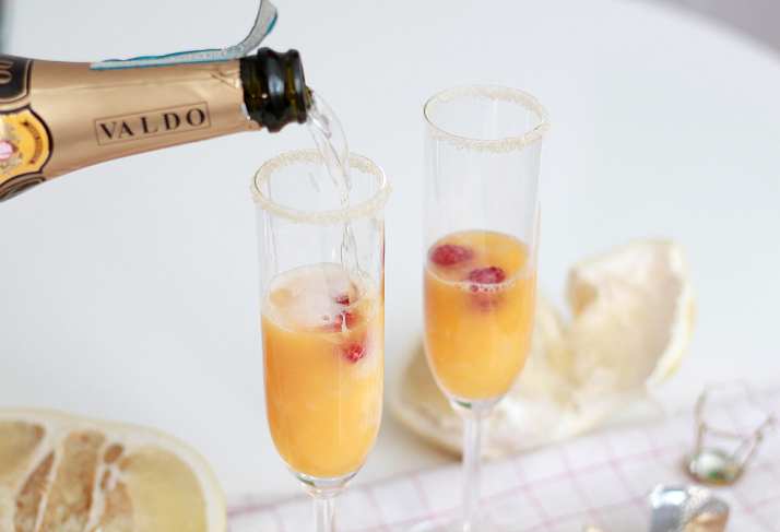 Bubbly Friday: Tropical Mimosas