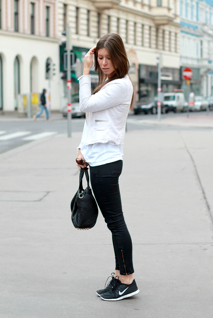 Editor's Pick: Simple White T | The Daily Dose