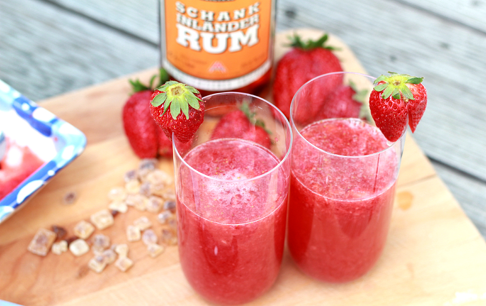 Bubbly Friday: Strawberry Rum Coco