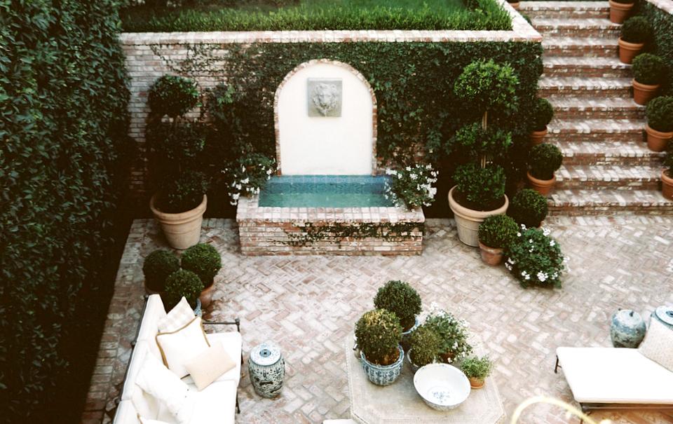 Inspire: Outdoor Living!