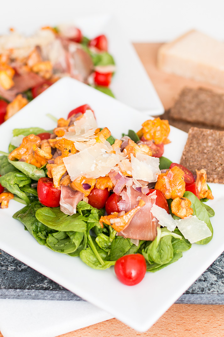 Late Summer Salad with Chanterelles & Prosciutto | Love Daily Dose