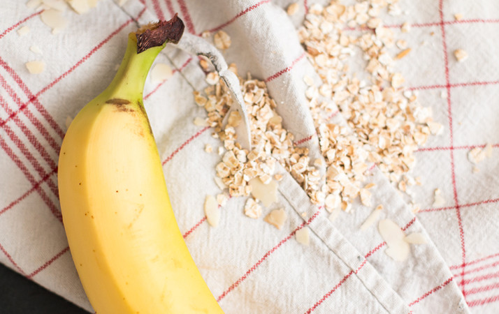 Chocolate & Peanut Butter Breakfast Smoothie with Banana | Love Daily Dose