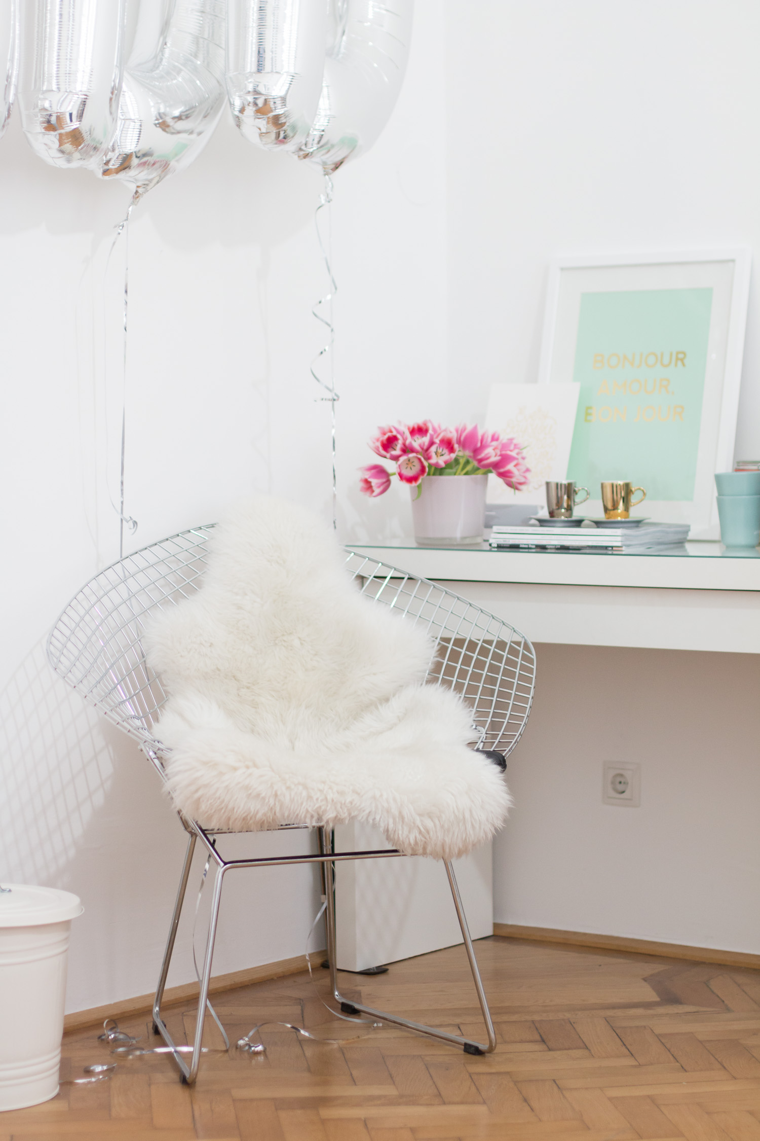 Office Update: Bertoia Diamond Chair | The Daily Dose