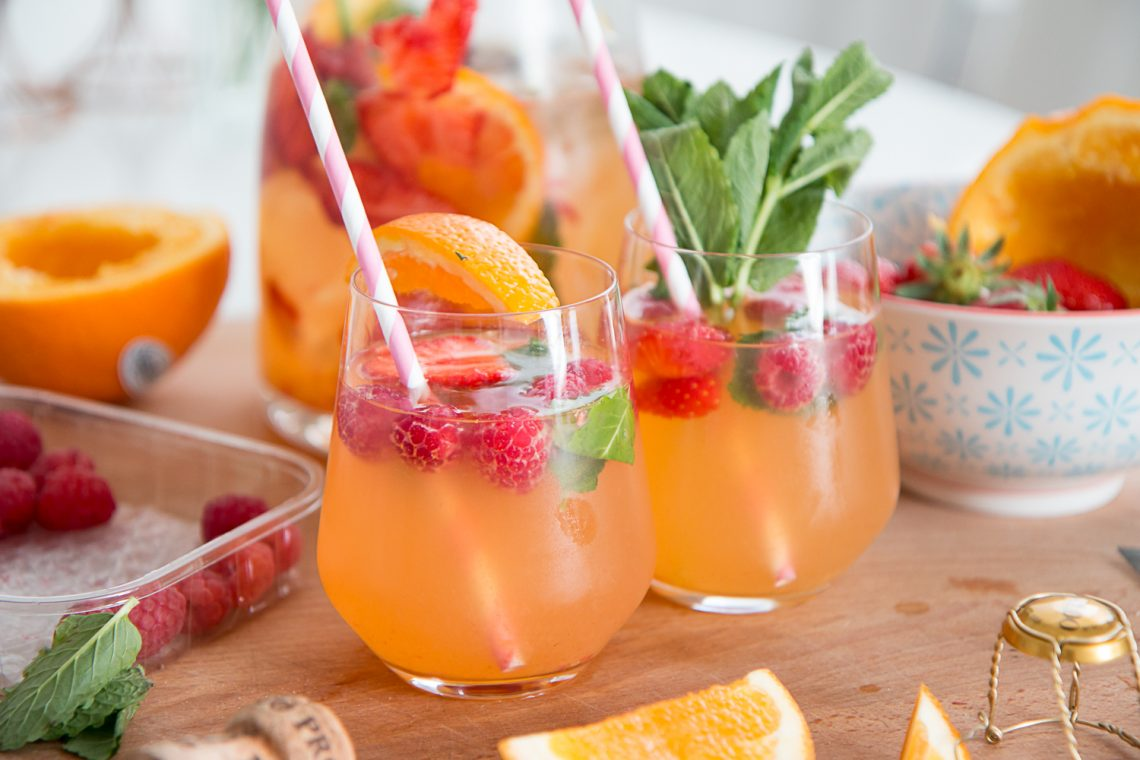 Bubbly Friday: Summer Sangria