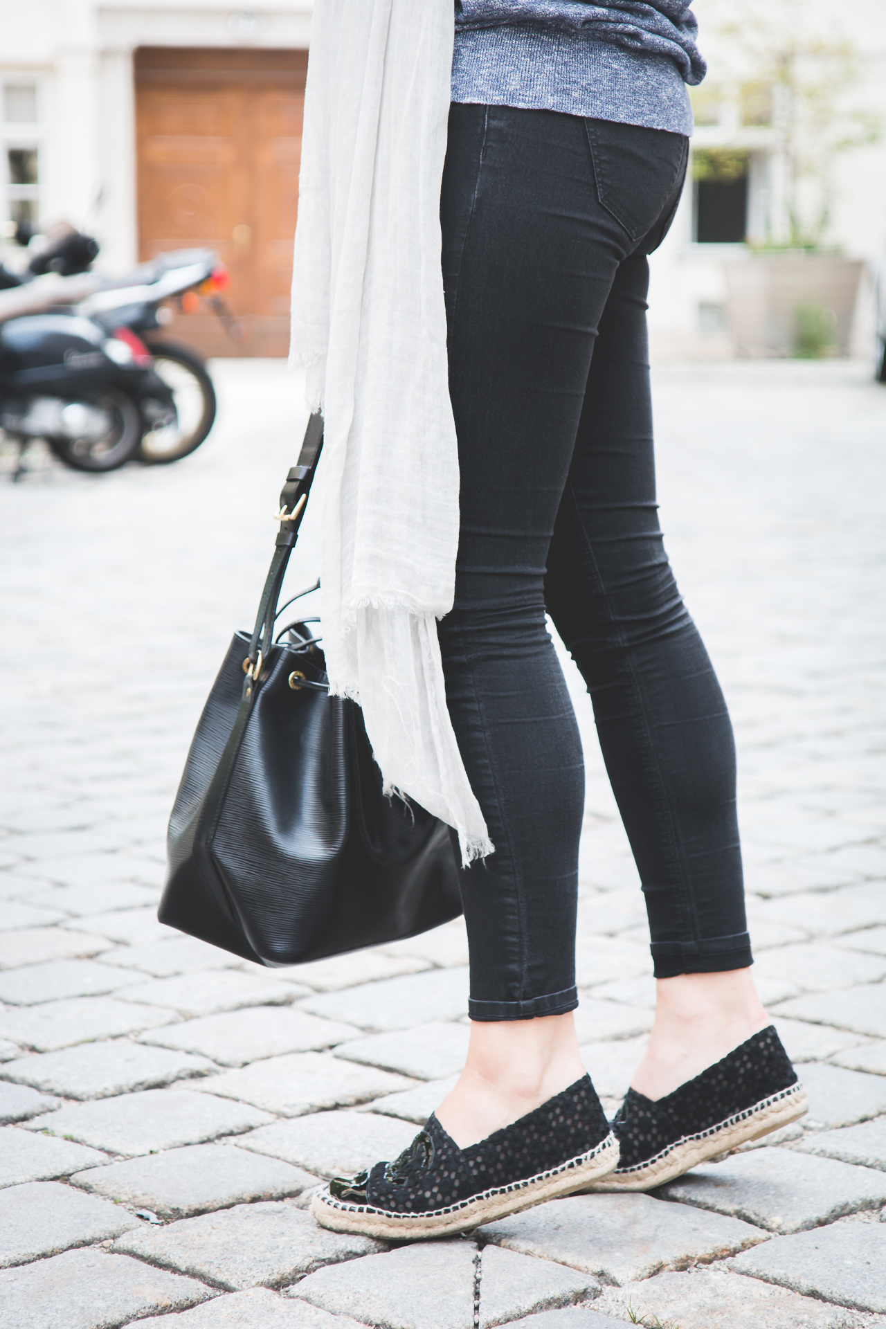 Steals & Finds: Bucket Bags for Every Budget | Love Daily Dose