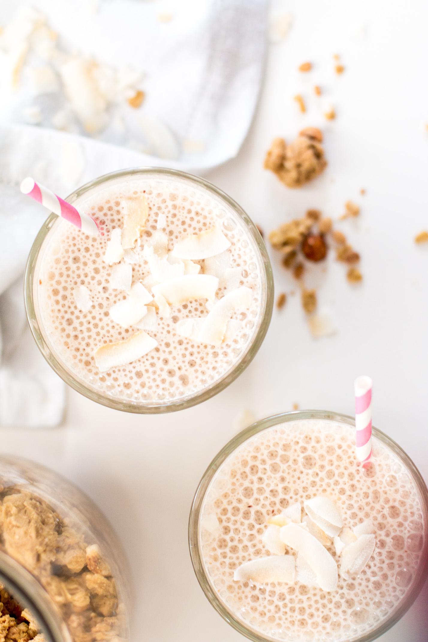 Creamy Cashew Breakfast Smoothie - Vegan | Love Daily Dose