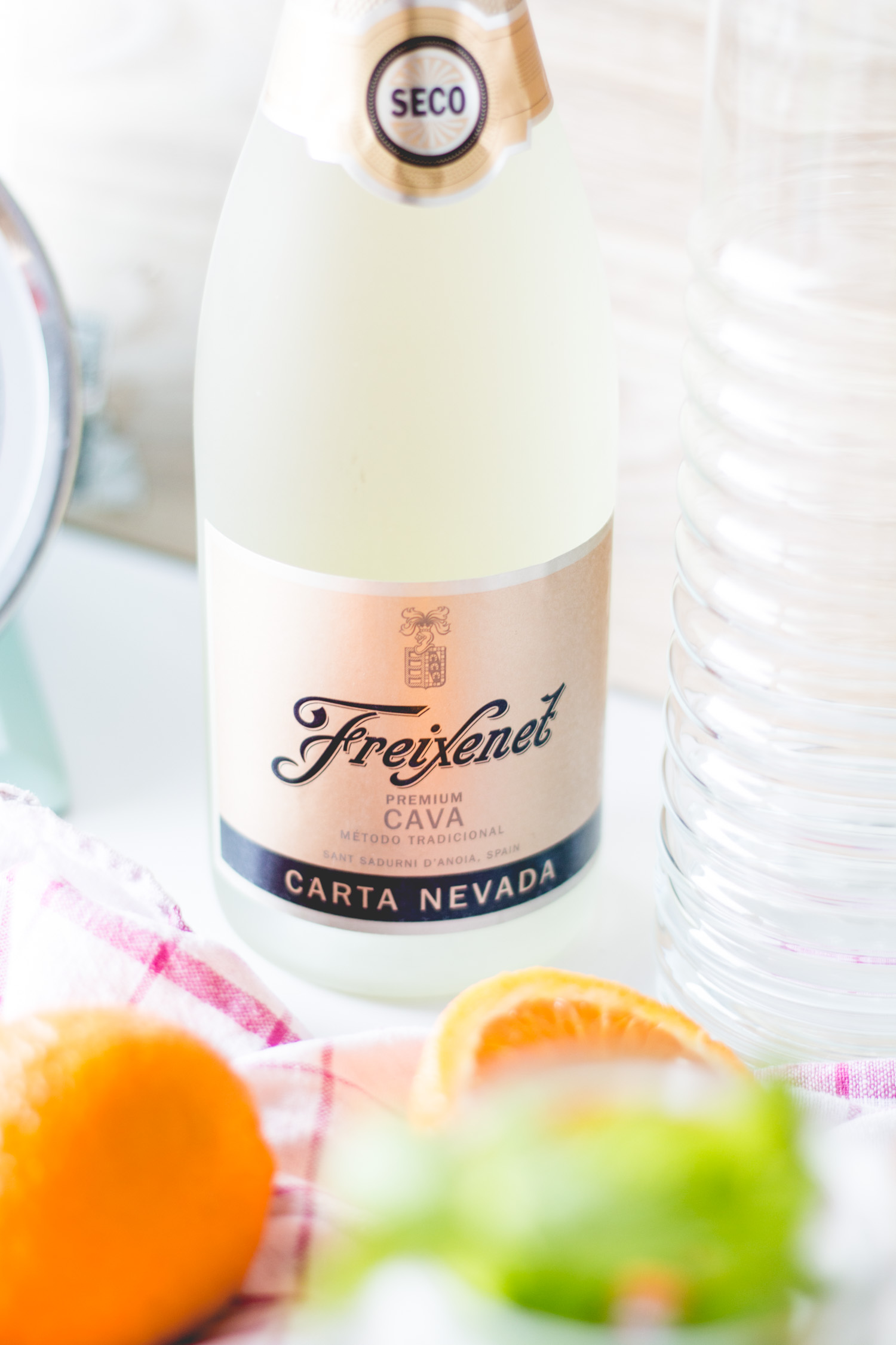 Bubbly Friday: Sangria Con Cava | The Daily Dose