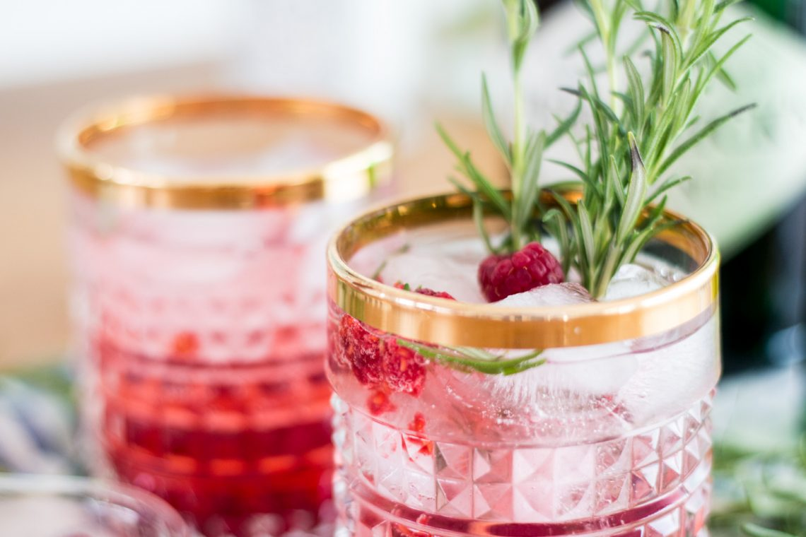 Bubbly Friday: Elderflower Gin Tonic