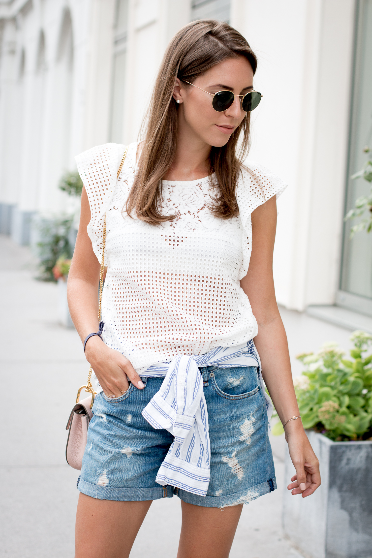 editors-pick-how-to-wear-summer-lace-6