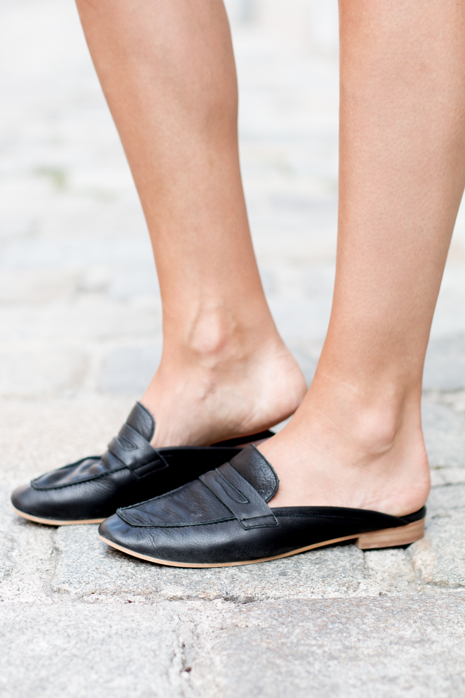 Editor's Pick: Slippers for Summer Shoe Trend | Love Daily Dose