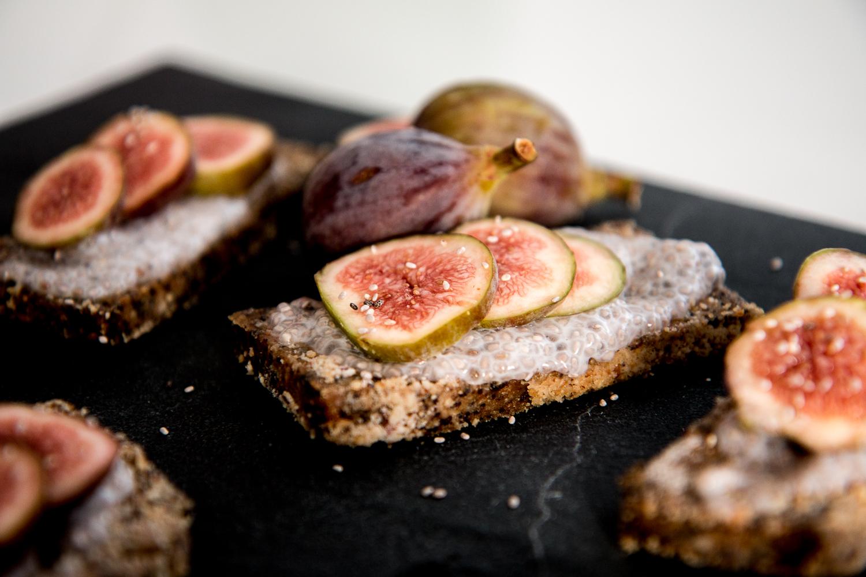 raw-bakery-fig-poppy-bars-15