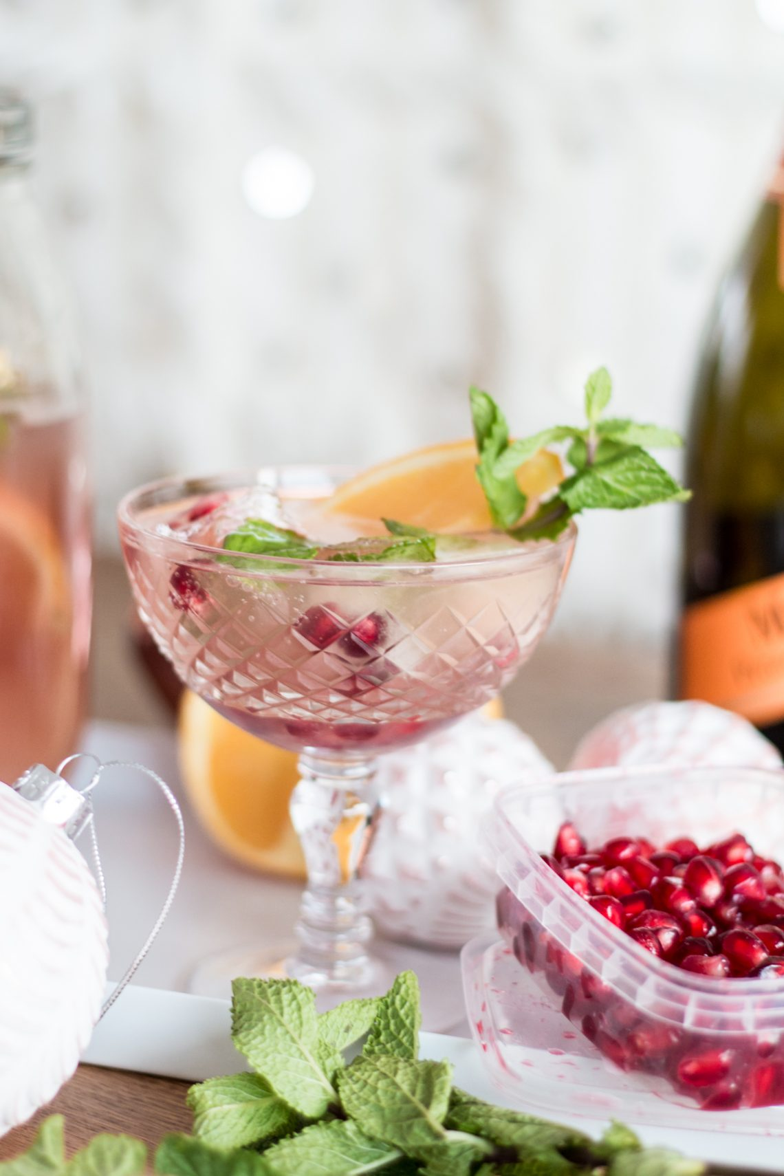 Bubbly Friday: Sparkling Holiday Punch