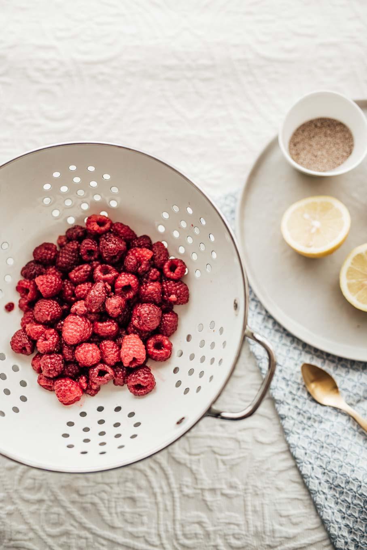 Bubbly Friday: Chia Raspberry Lemonade | Love Daily Dose