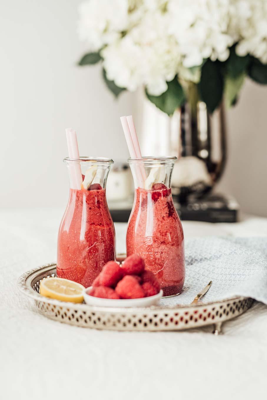 Bubbly Friday: Homemade Chia Raspberry Lemonade