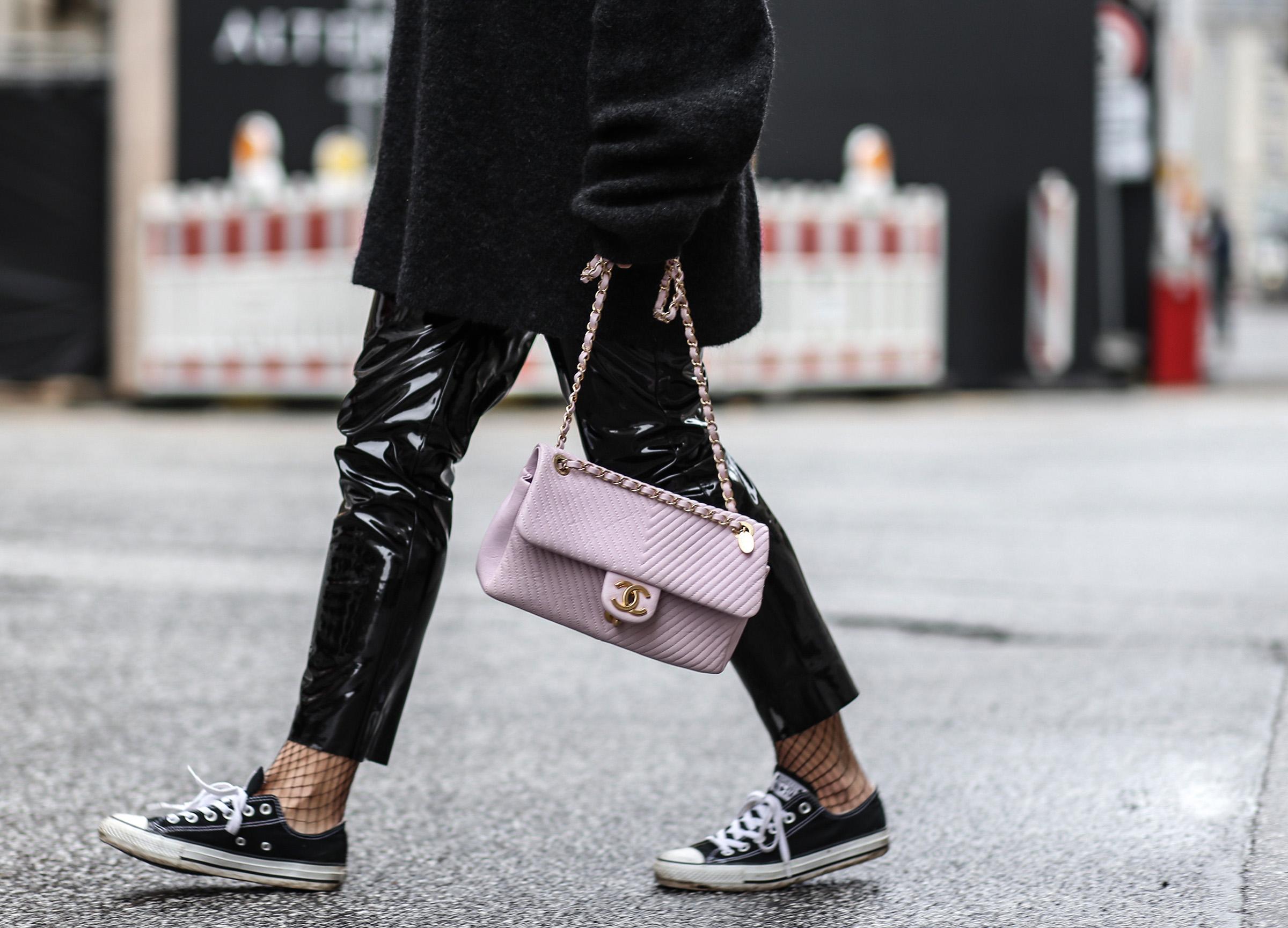 chnael_soft_pink_bag