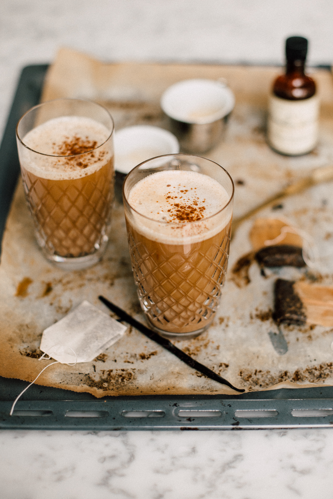 dirty chai latte rezept mit espresso the daily dose. Black Bedroom Furniture Sets. Home Design Ideas