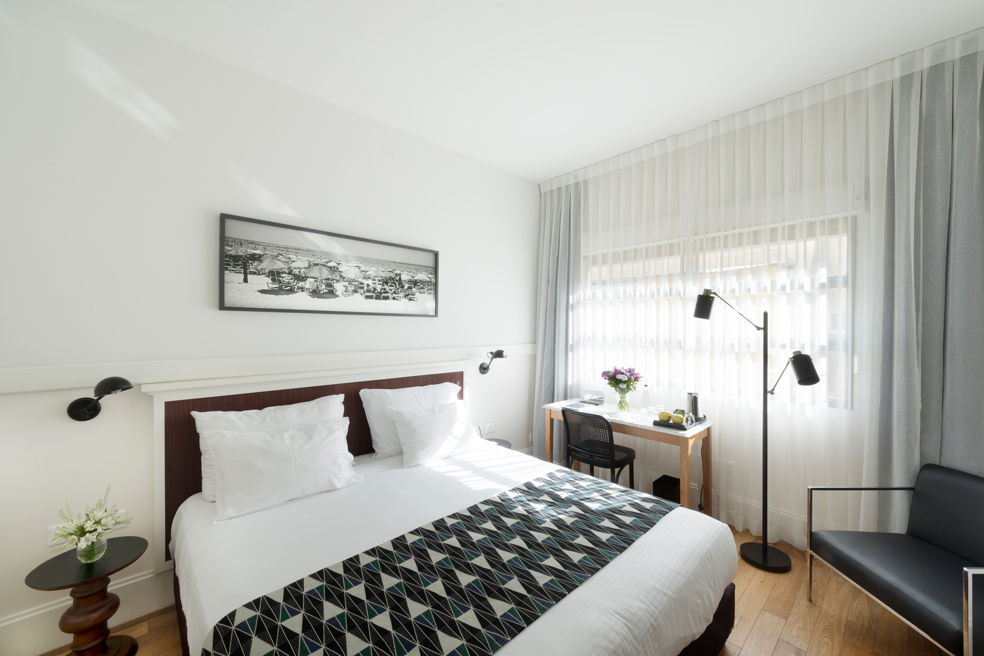 5 Hotels: Tel Aviv - Lily & Bloom | The Daily Dose