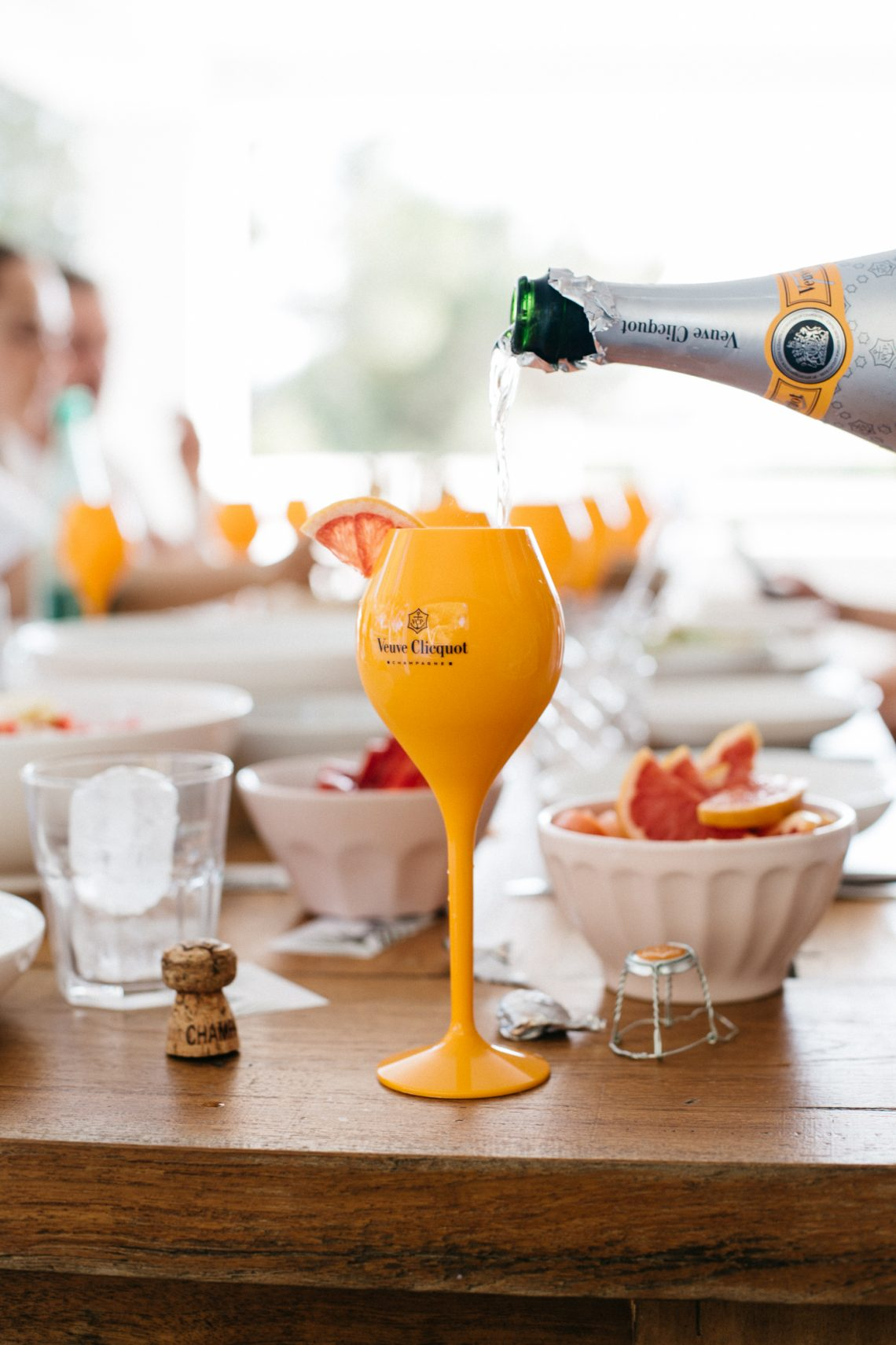 Bubbly Friday: Rich Summer Party