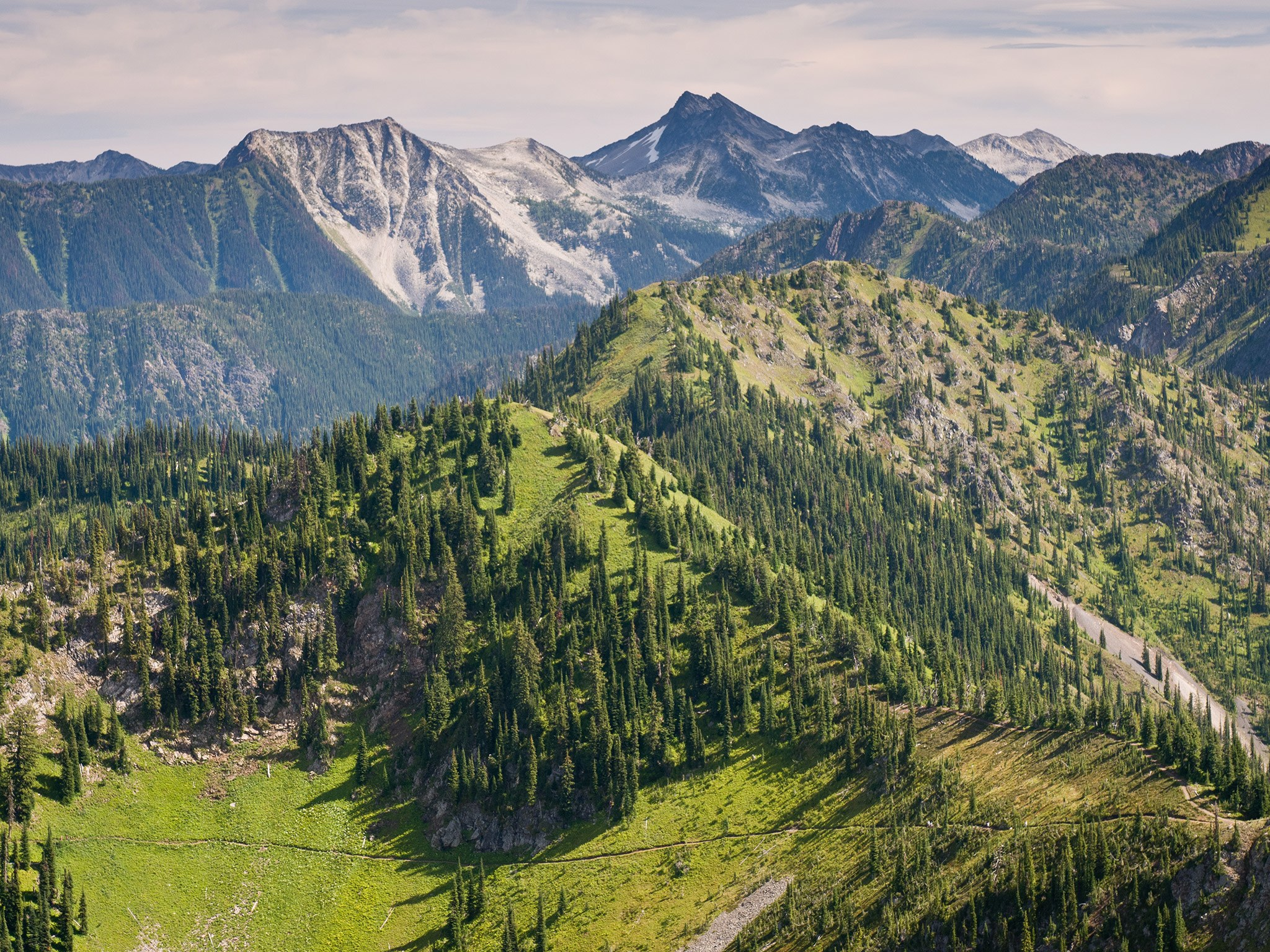 5 Hotels: Wellness & Detox - Mountain Trek Wellness Retreat Canada   Love Daily Dose