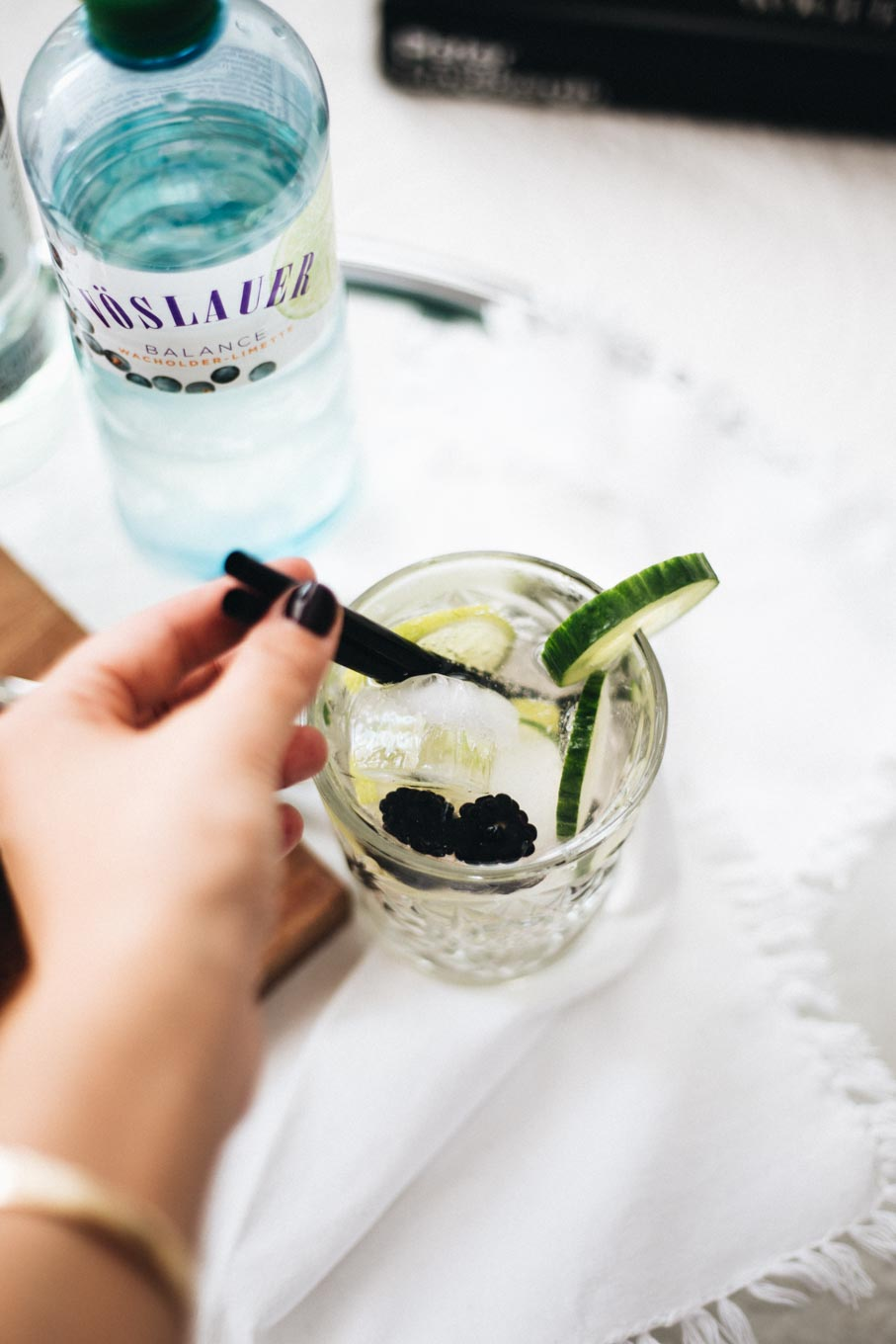 Bubbly Friday: Skinny Blackberry Lime Mojito | love daily dose