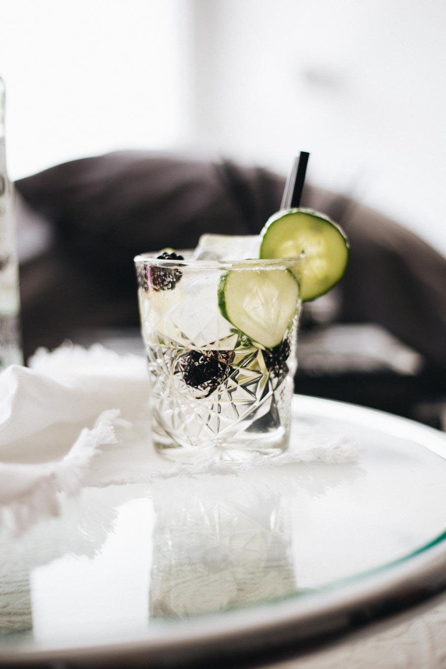 Bubbly Friday: Skinny Blackberry Cucumber Mojito