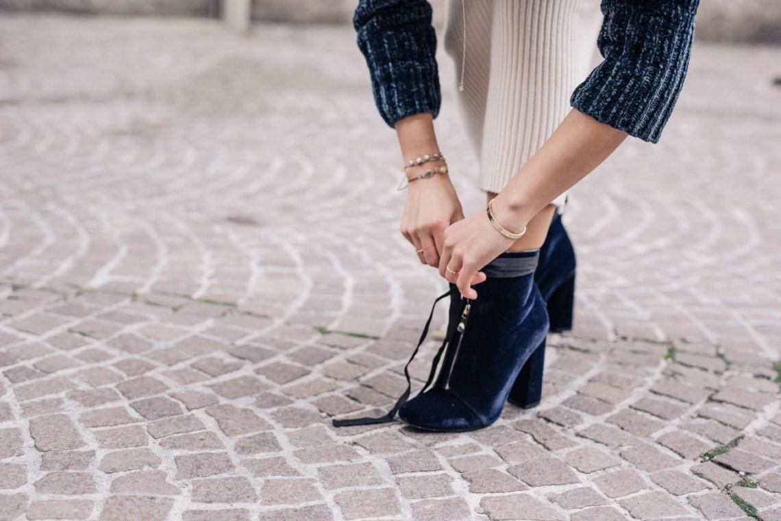 Sosodaily Fleamarket: Velvet Boots | Love Daily Dose