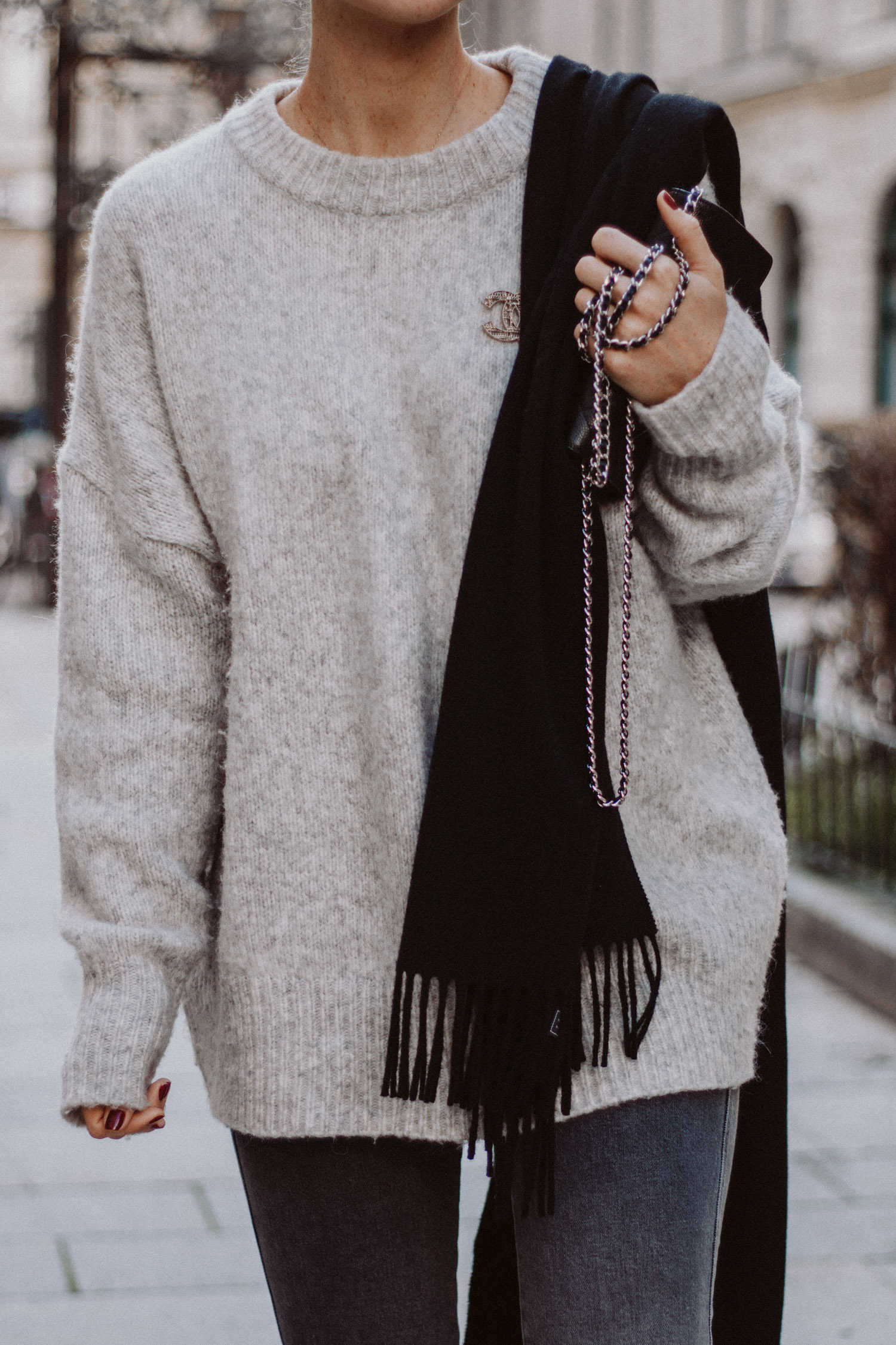 Editor's Pick: XXL Sweater | The Daily Dose