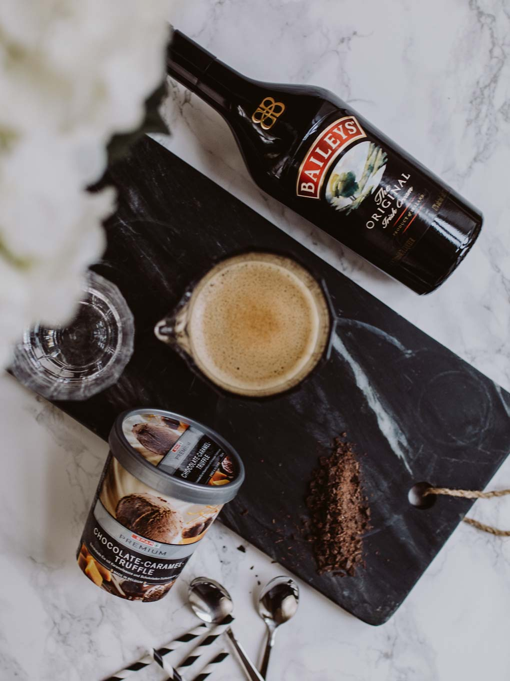 Bubbly Friday: Baileys Coffee Float | love daily dose