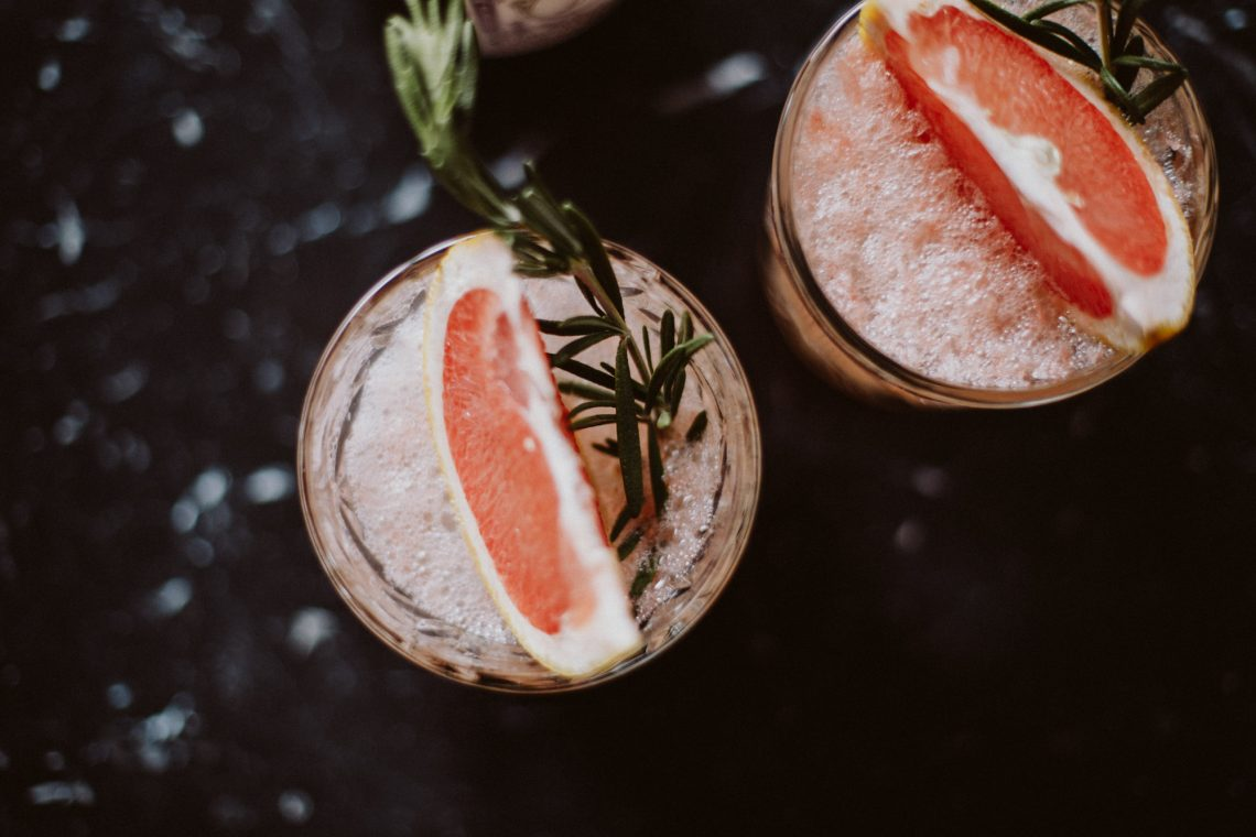 Bubbly Friday: Grapefruit-Rosemary-Spritz