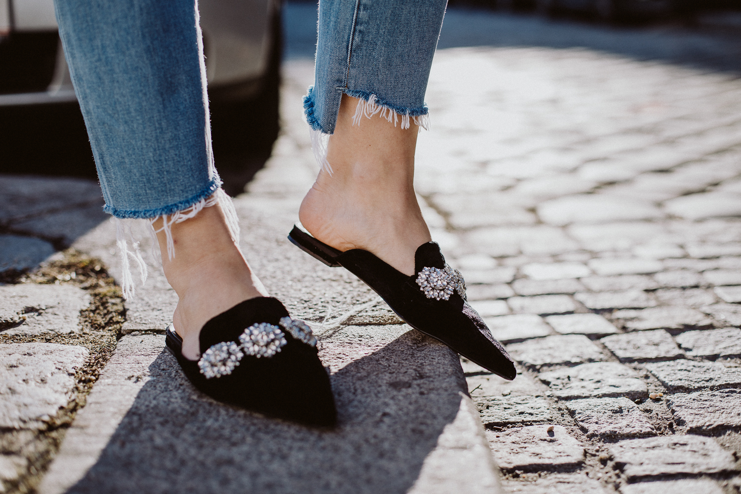 Editor's Pick: Embellished Slides | Love Daily Dose