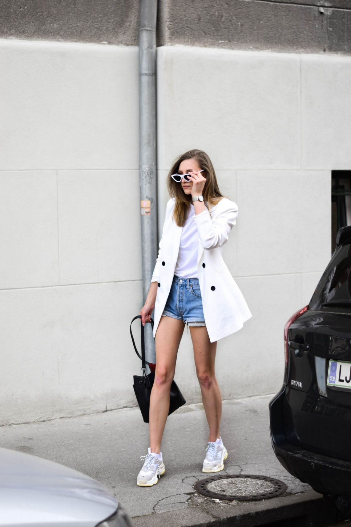 Steal Her Style: How To Wear Dad Sneakers?