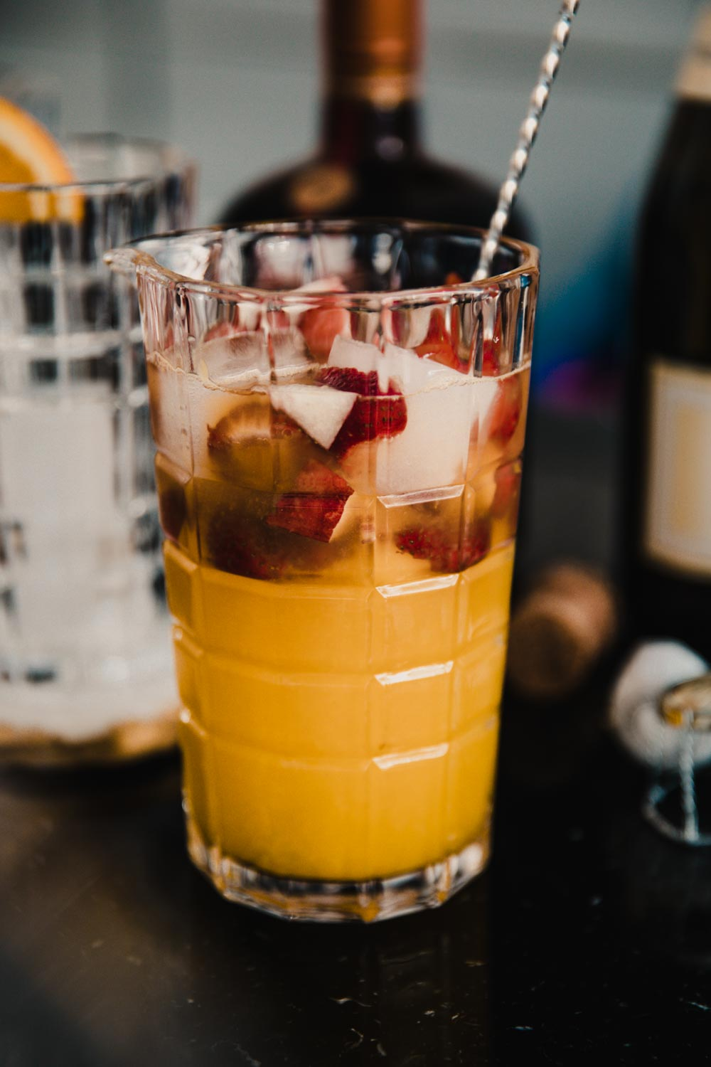 Bubbly Friday: Moscato Sangria | The Daily Dose