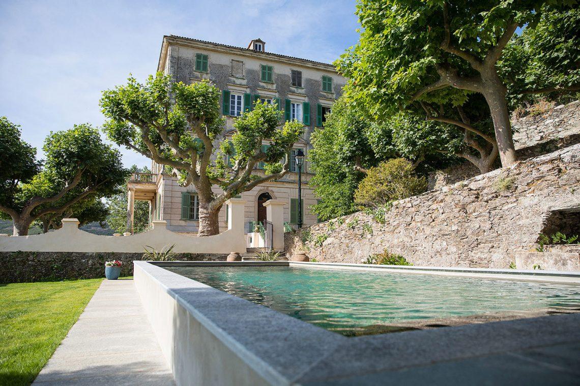 5 Hotels: Corsica