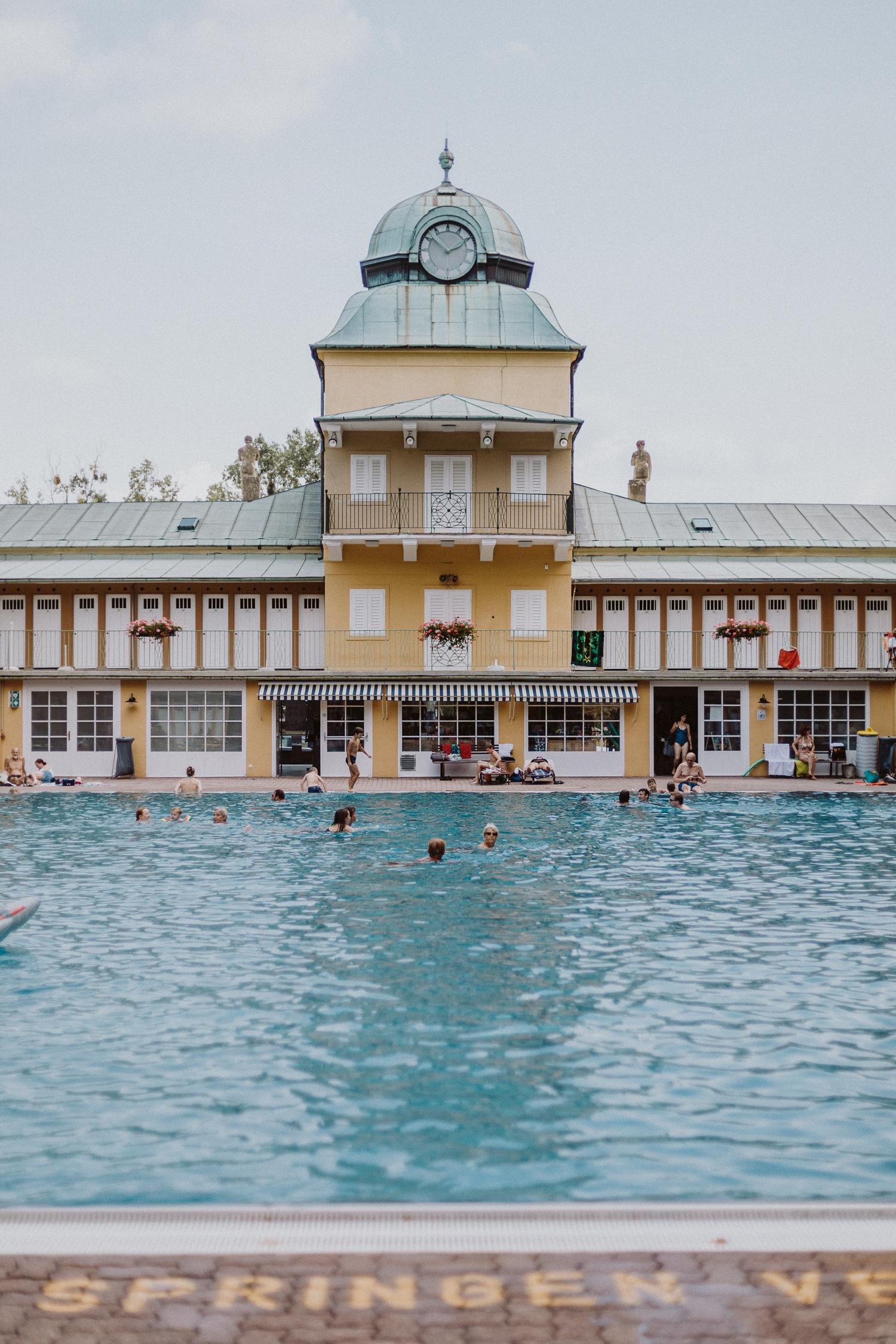 Editor's Pick: Thermalbad Vöslau - die schönsten Schwimmbäder in Wien | Love Daily Dose