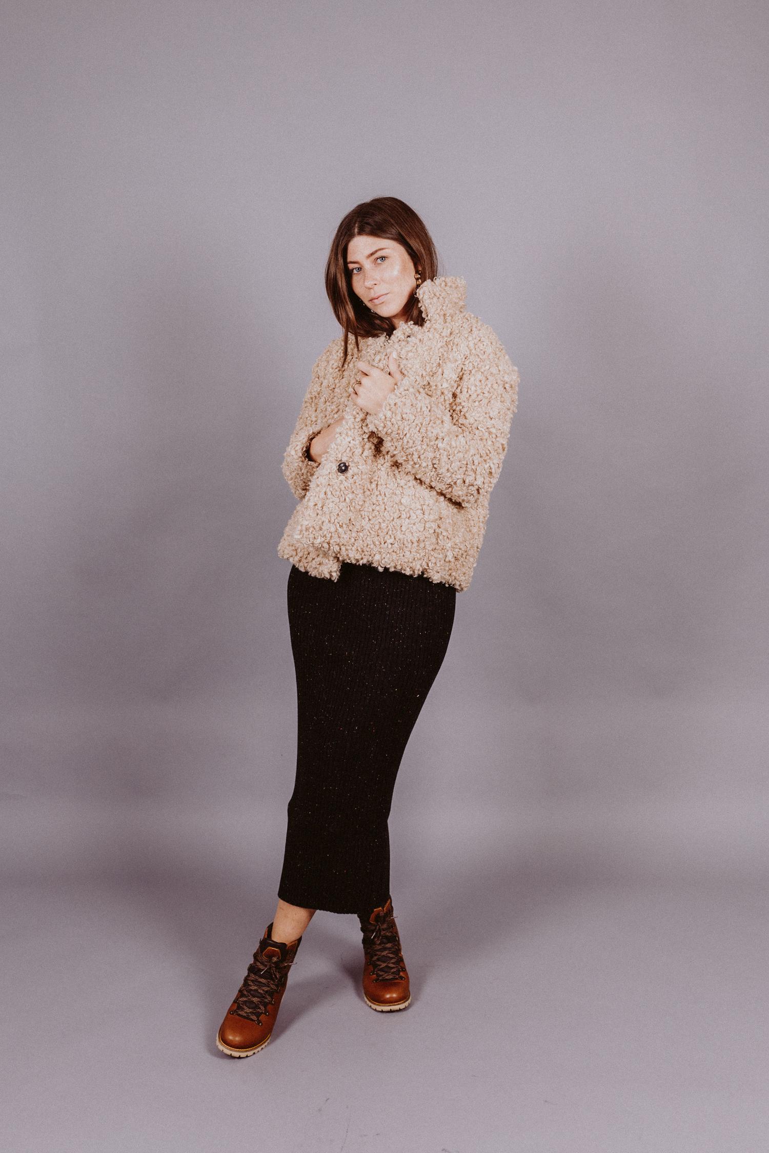 3 ways to wear: midiskirts, midirock styling | Love Daily Dose