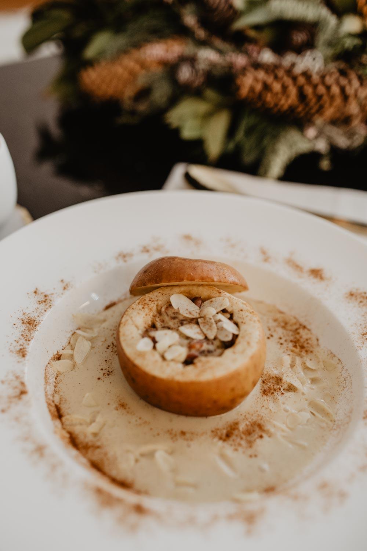 Recipe: Baked Apple with Vanilla Sauce | Bratapfel - love daily dose
