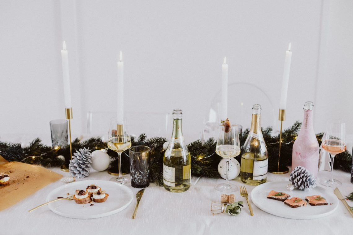Bubbly Friday: Festive Appetizer Food Pairing