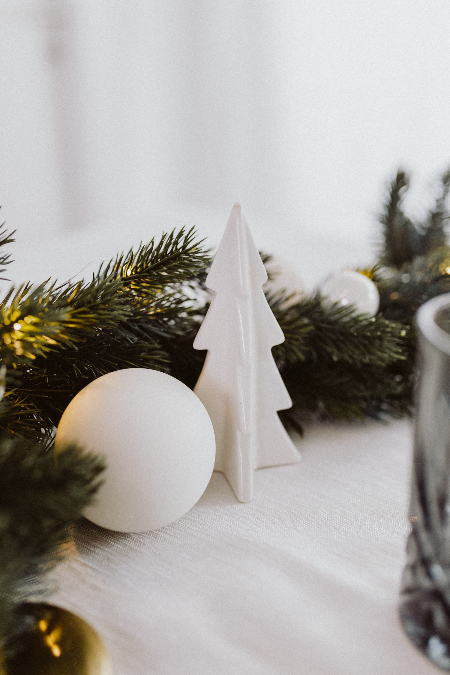 Nordic Christmas Table Setting - Love Daily Dose