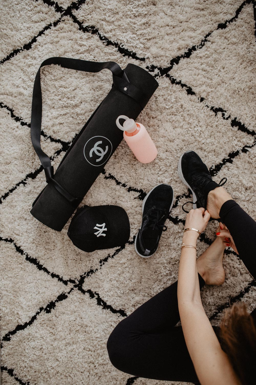 What's In Our Gym Bag? | Sporttasche richtig packen | love daily dose