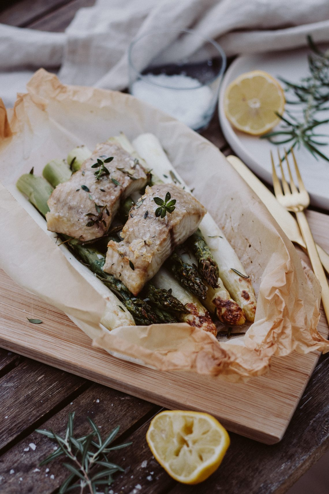 Food combining – Wels auf Spargelbett