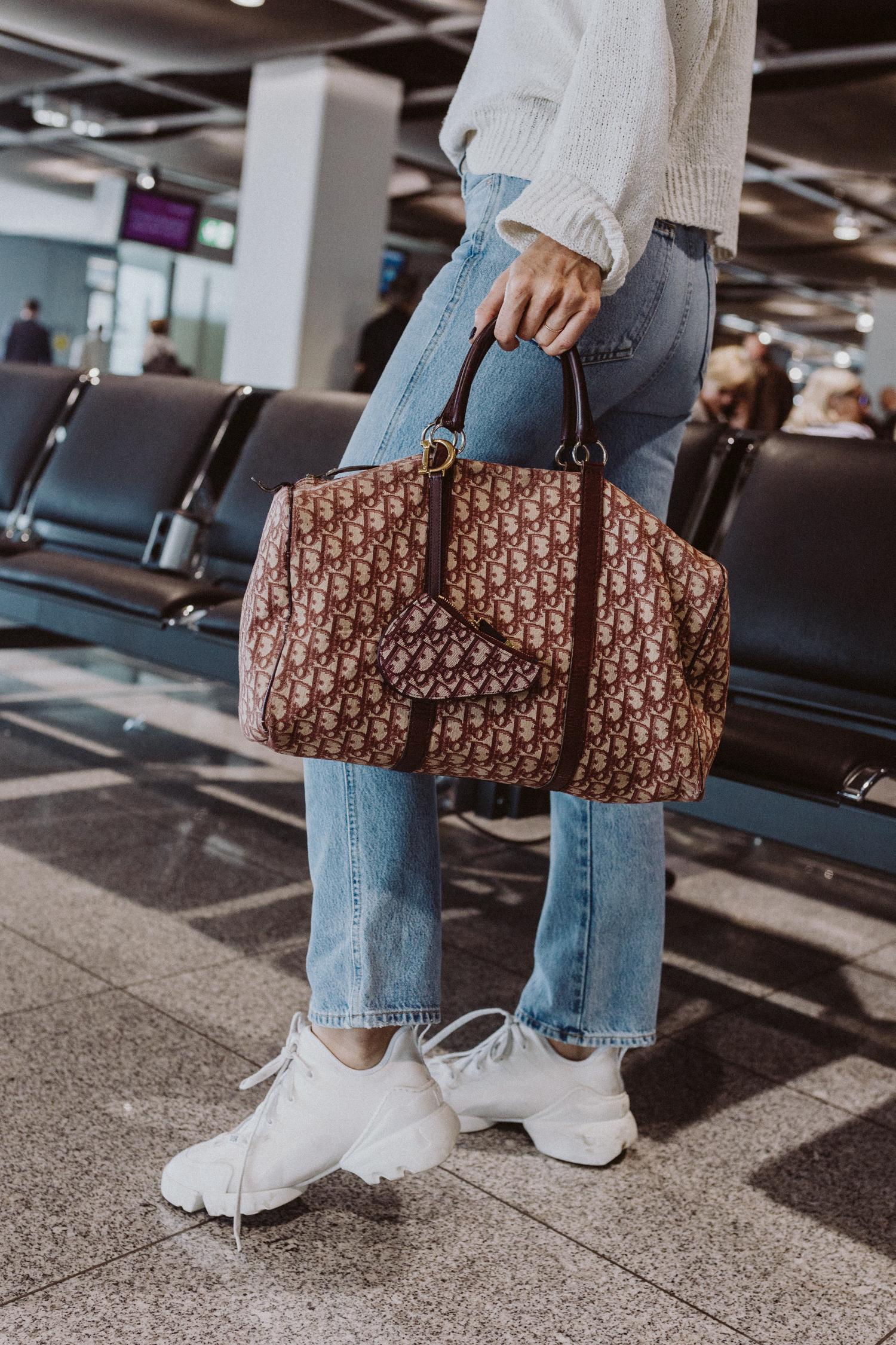Die besten Weekender Taschen für stylishe Reisen - Love Daily Dose