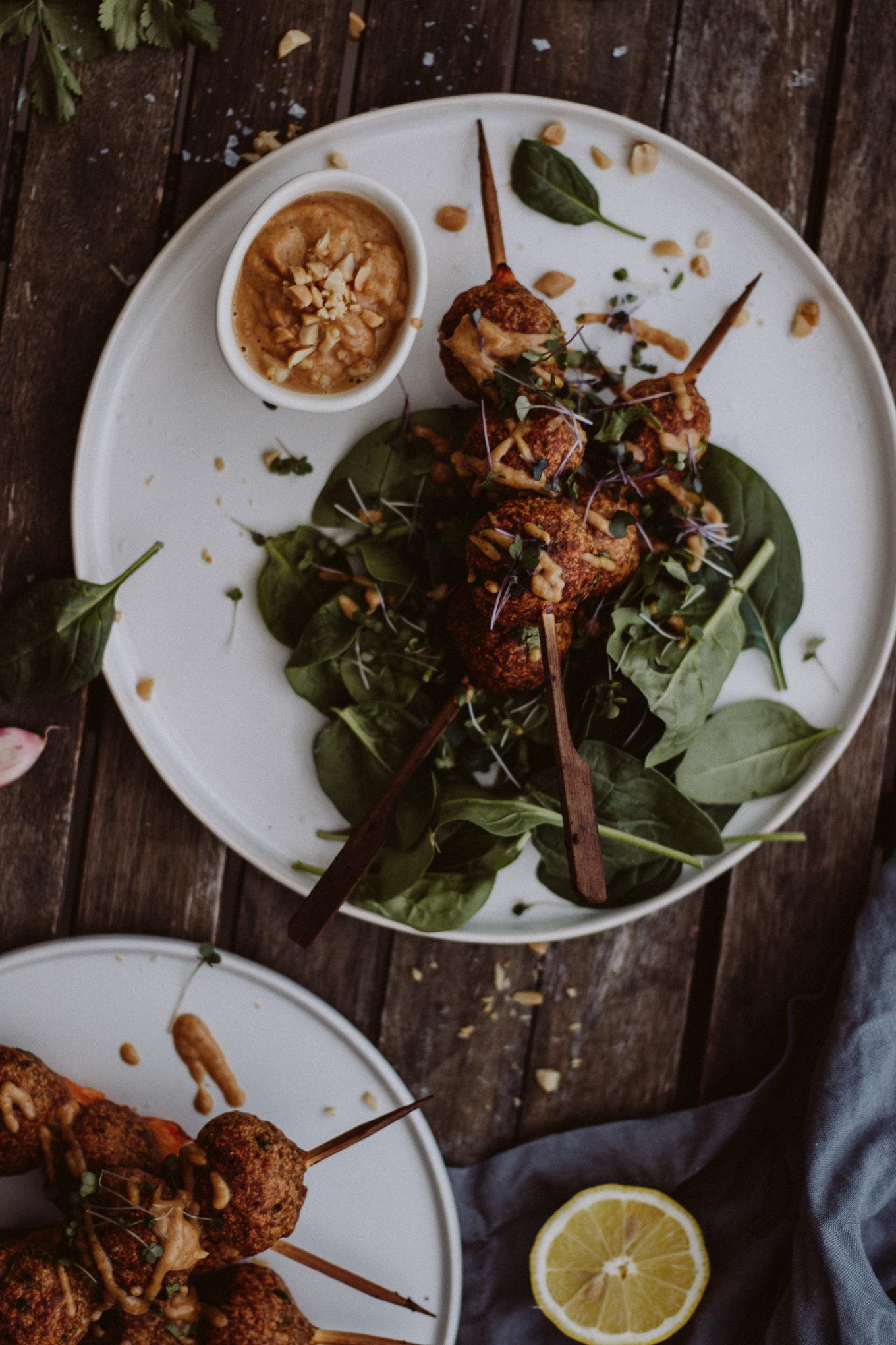 The Daily Dose Thai Hühner Bällchen